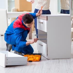 küche zusammenbauen, küche aufbauen lassen, küchen möbelmontage, möbel montage service, aufbau küche, professionelle montage, möbelmontage, küchen montage service, küche einbauen lassen, küche montage, möbelmonteur, küchenmontage, türenmontage, Montageservice, fenstermontage, lampenaufhänger, allround handwerker vor Ort, Aufbauservice, Möbelaufbau, Möbelmontage von Wohnung, Möbelmontage von Haus, Möbelmontage von Büro,